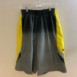 Nike Dri Fit Basketball Shorts, Size Large